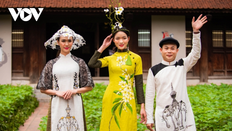 Silk, Ramie Ao Dai collections make debut at fashion event