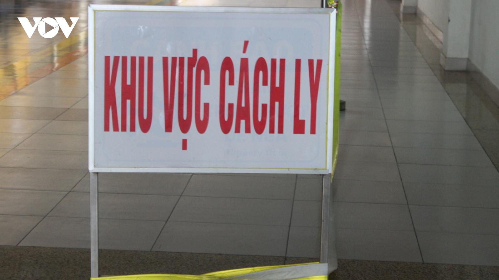 Chiều 10/4, có thêm 9 ca mắc COVID-19 là người nhập cảnh về Việt Nam
