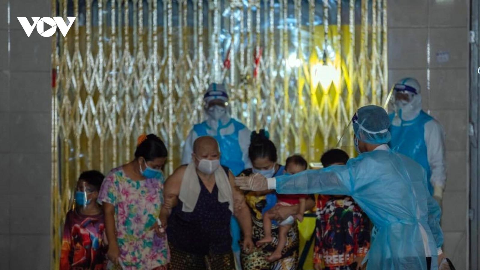 Số ca Covid-19 tăng cao, Campuchia tăng cường biện pháp phòng chống dịch