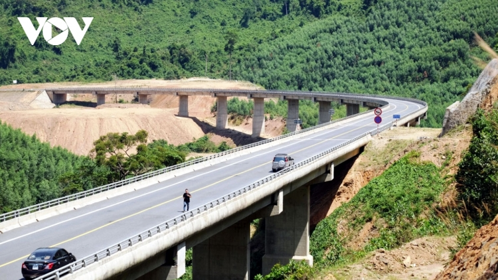 Cao tốc La Sơn - Túy Loan dự kiến khai thác vào cuối quý II