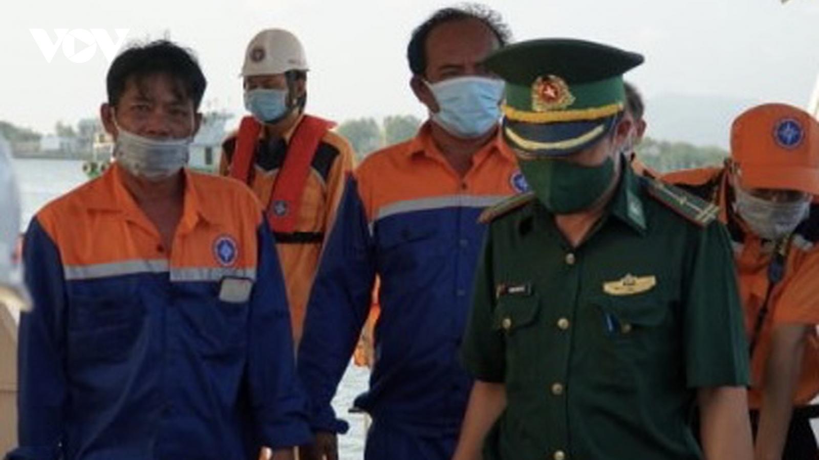 Cứu thành công 6 ngư dân bị nạn trên trên vùng biển Vũng Tàu