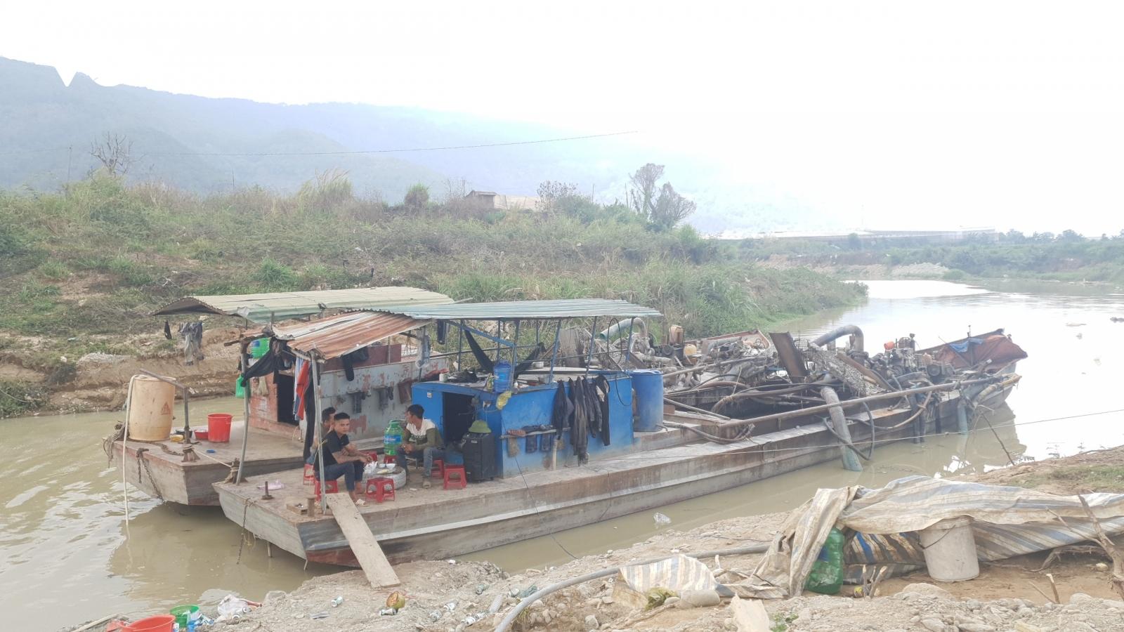 Nông dân kêu cứu vì nước sông Đa Nhim bị ô nhiễm do khai thác cát