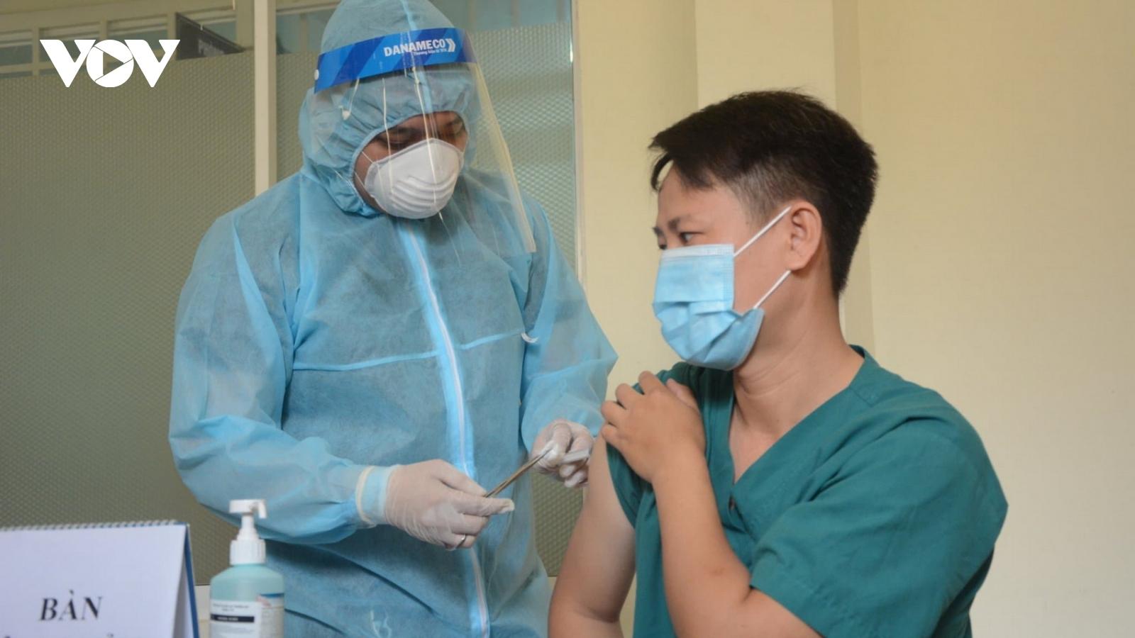 Đà Nẵng dự kiến tiêm vaccinengừa Covid-19 cho hơn 46.000 người trong đợt 1