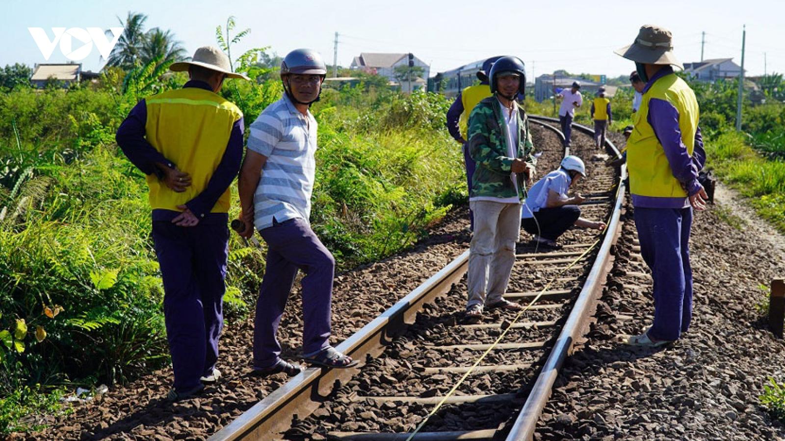 Tổng công ty Đường sắt Việt Nam kêu cứu, Bộ GTVT nói gì?