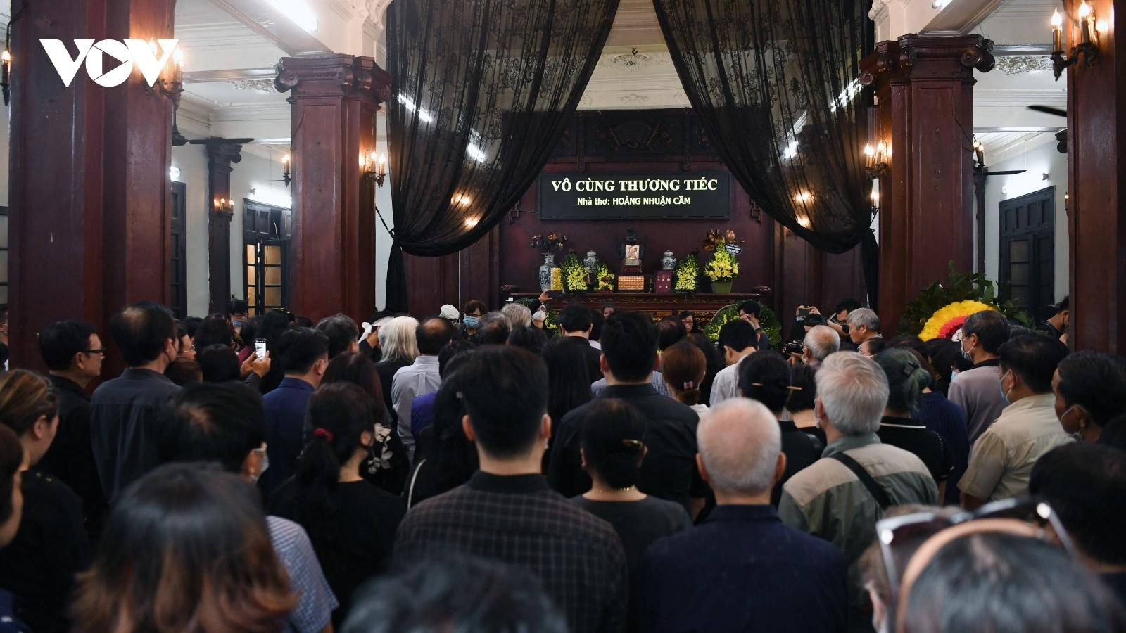 Vĩnh biệt Hoàng Nhuận Cầm - thi sĩ tài hoa, đặc sắc của một thời đại thi ca Việt