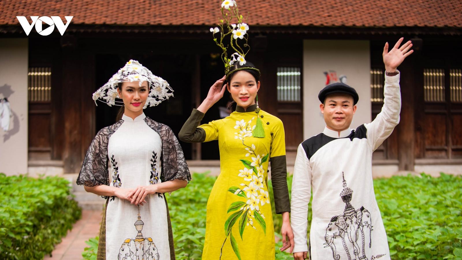 Chiêm ngưỡng bộ sưu tập áo dài độc đáo từ tơ tằm và gai