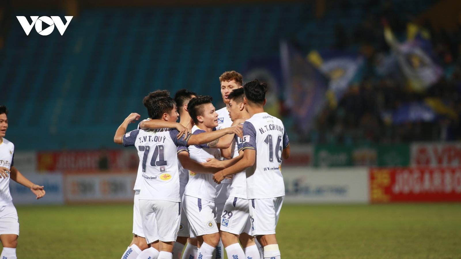Sân Hàng Đẫy và hoàn cảnh éo le của Hà Nội FC ở V-League 2021