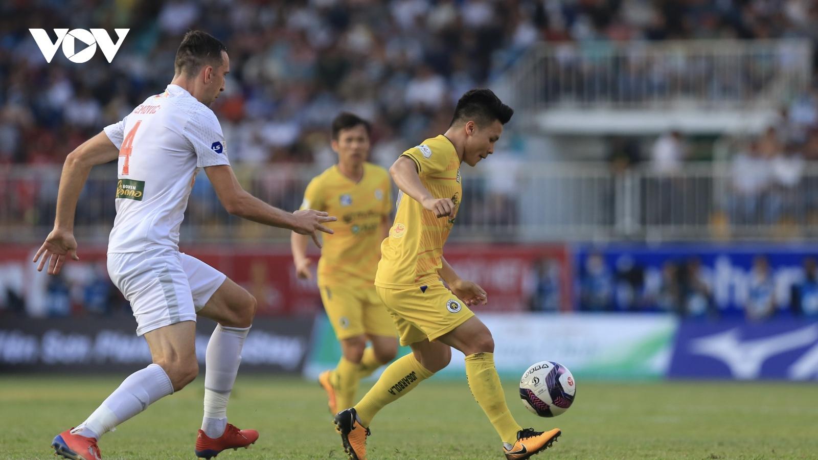 TRỰC TIẾP HAGL 1-0 Hà Nội FC: Quang Hải dứt điểm ngẫu hứng