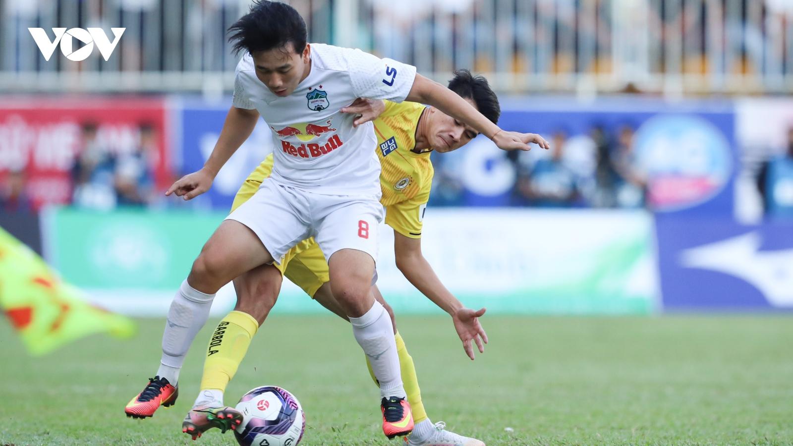 TRỰC TIẾP HAGL 1-0 Hà Nội FC: Văn Thanh bỏ lỡ cơ hội mười mươi