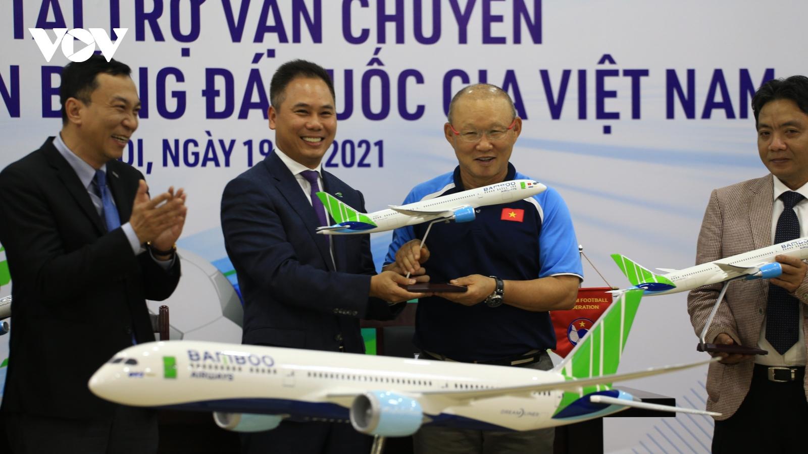 Các Đội tuyển bóng đá Việt Nam có nhà tài trợ vận chuyển đẳng cấp 5 sao