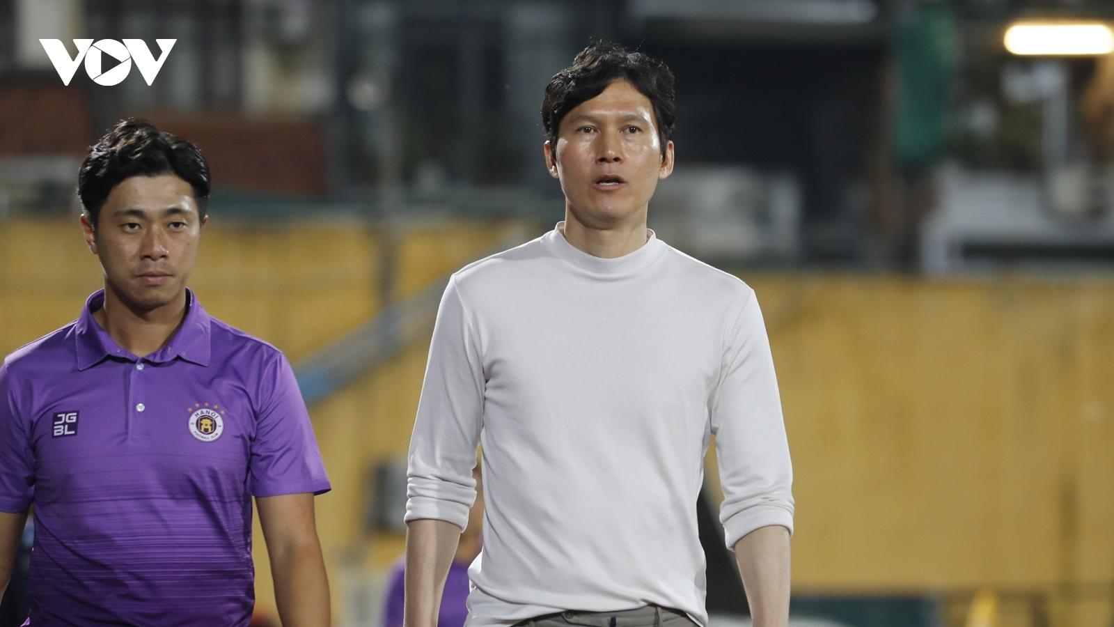 Ra mắt thất bại, HLV Park muốn đưa cầu thủ Hàn Quốc sang Hà Nội FC