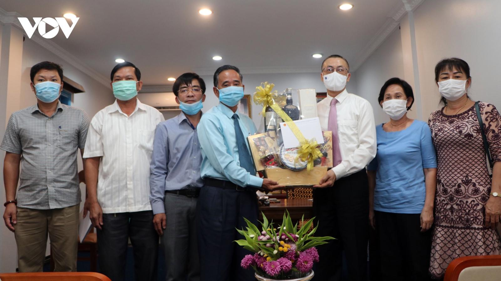 Đại sứ Vũ Quang Minh chúc tết Chol Chnam Thmey cộng đồng người gốc Việt tại Campuchia