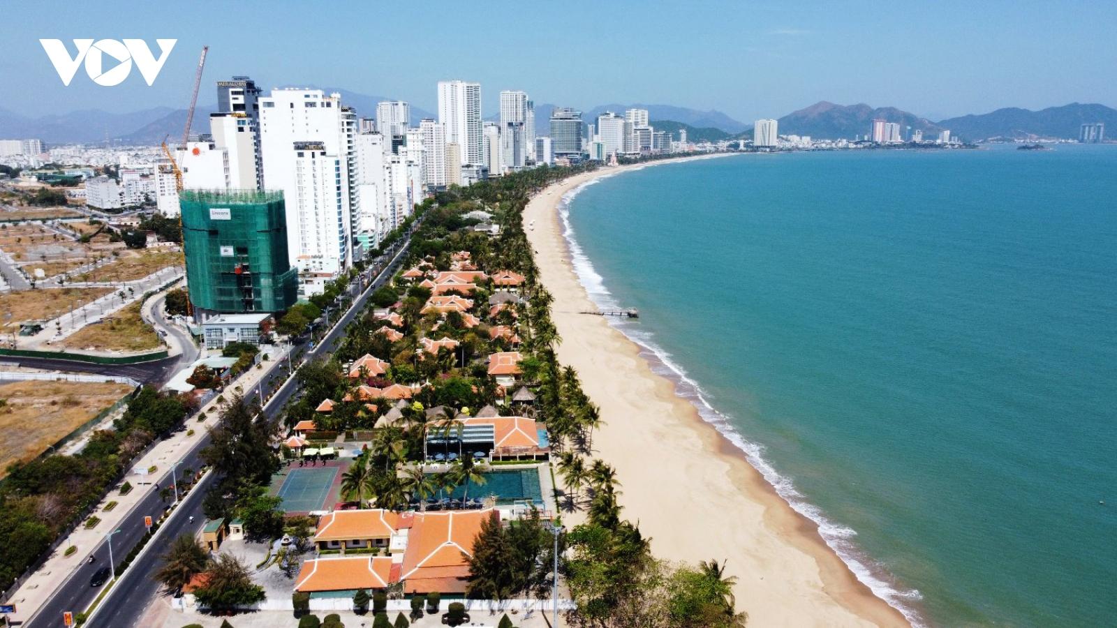 Khánh Hòa kiên quyết thu hồi các dự án che chắn mặt biển