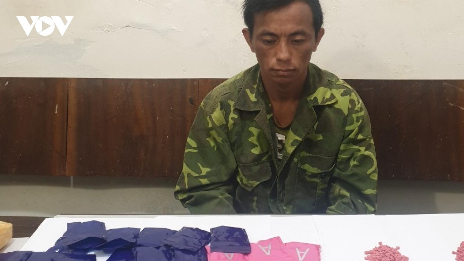 Công an Mộc Châu bắt đối tượng mua bán gần 4000 viên ma túy tổng hợp