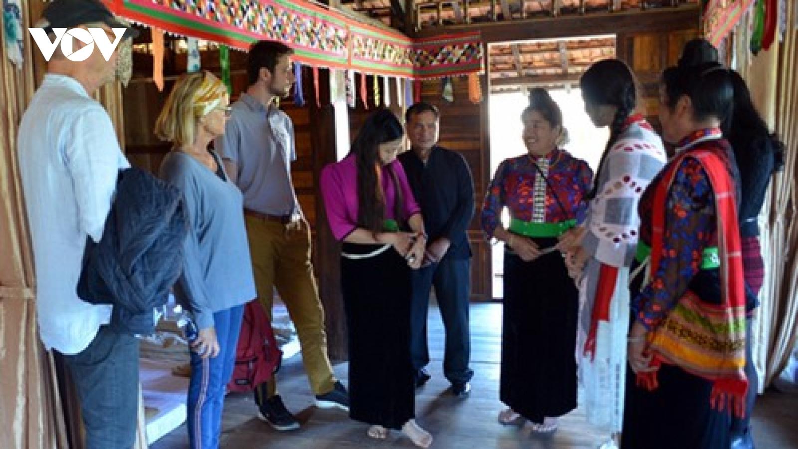 Mộc Châu làm du lịch cộng đồng từ bản sắc và sự thân thiện, mến khách