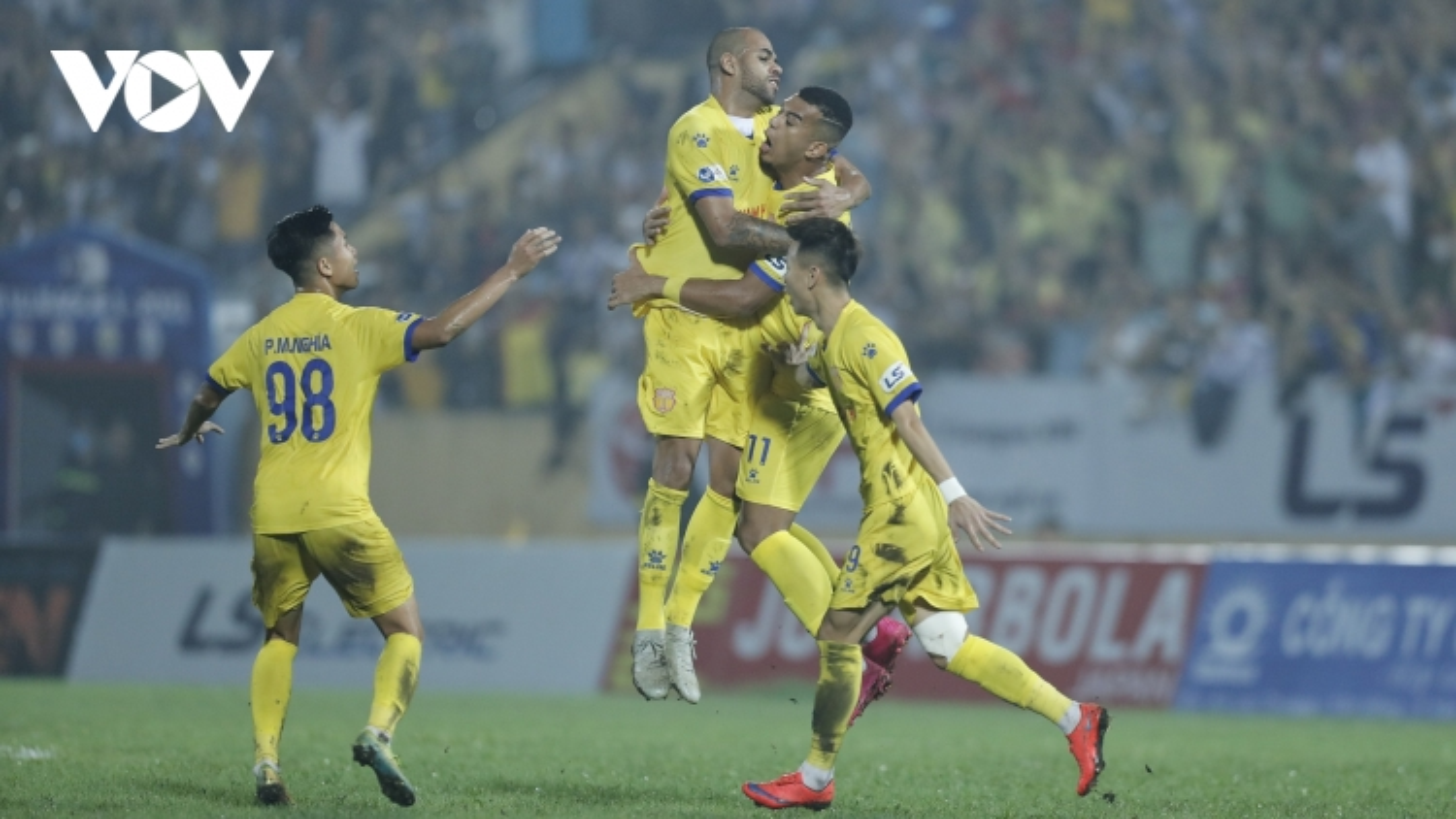 """Nam Định nhận án phạt """"trời ơi"""" trước vòng 12 V-League 2021"""