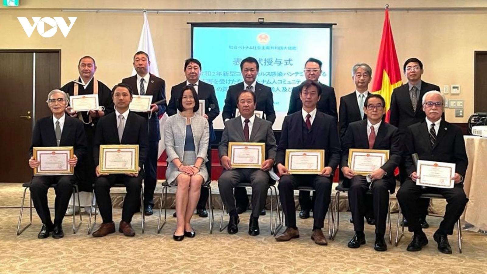 ĐSQ Việt Nam khen thưởng tập thể-cá nhân người Nhật Bản có công năm 2020
