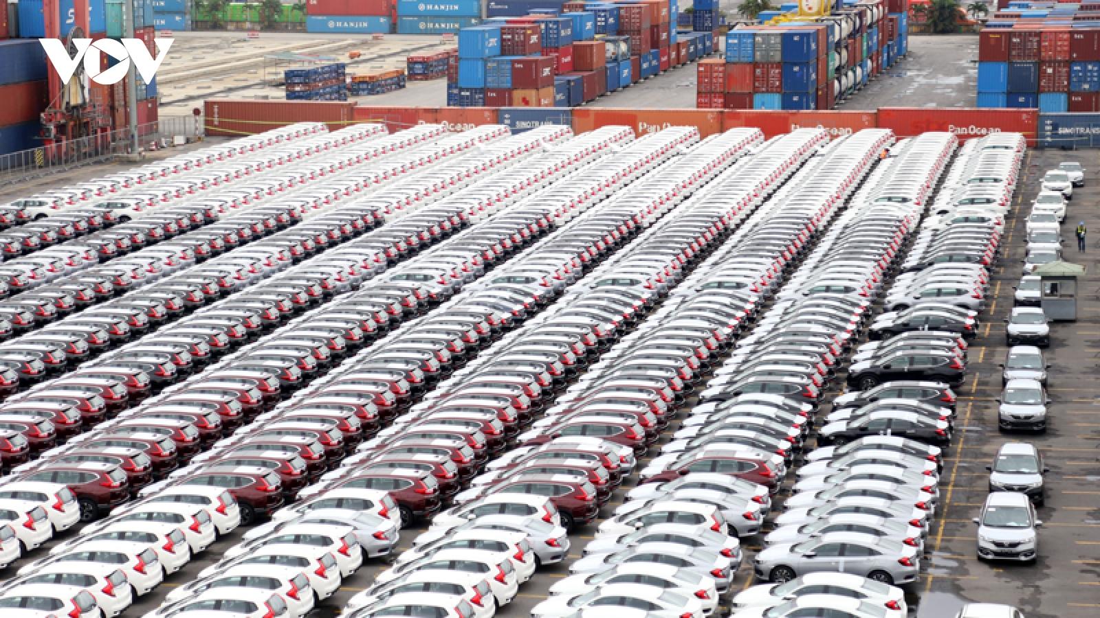 Ô tô nhập khẩu Trung Quốc về Việt Nam tăng gấp 6 lần