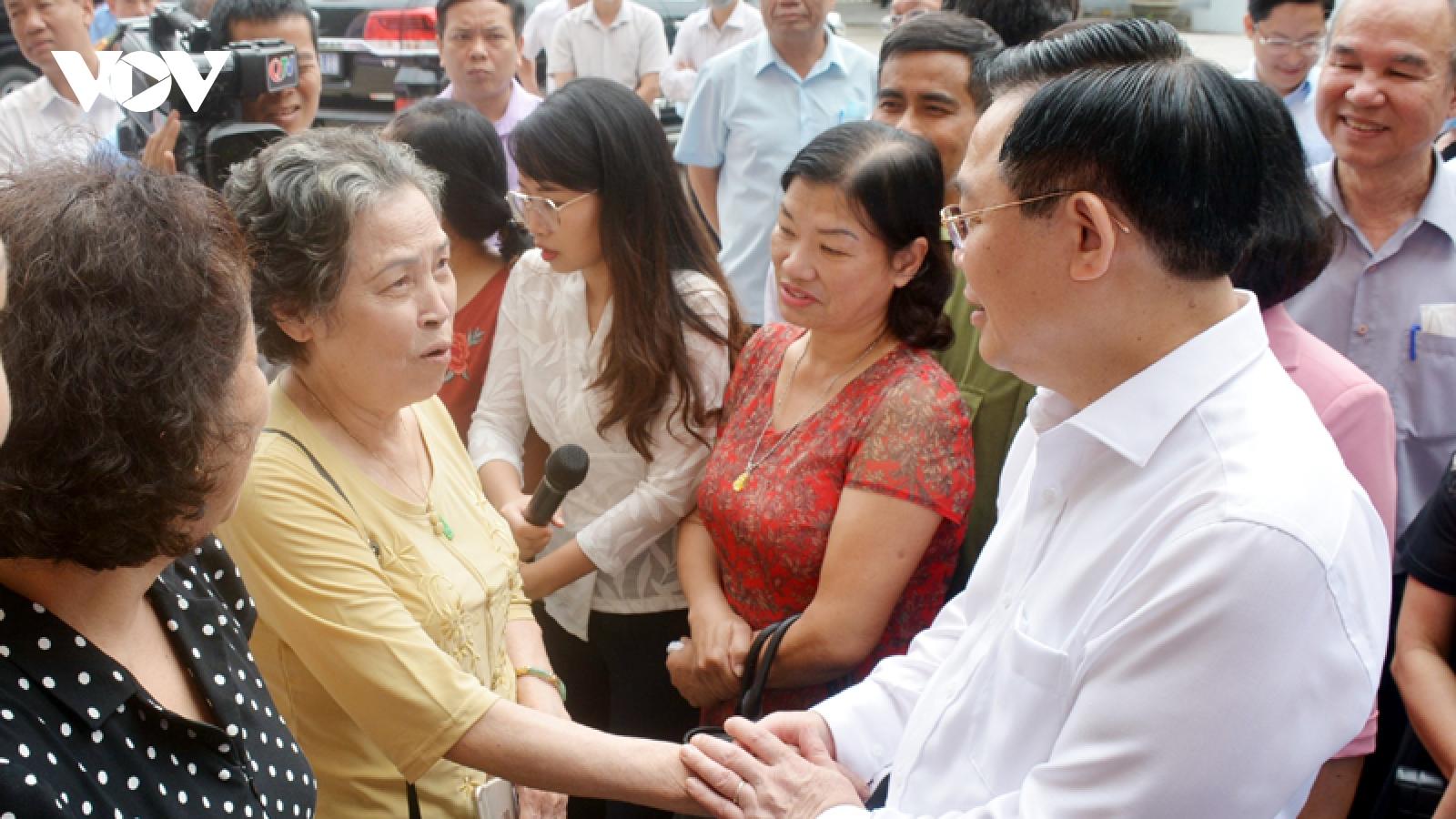 Chủ tịch Quốc hội kiểm tra công tác chuẩn bị bầu cử tại tỉnh Quảng Ninh
