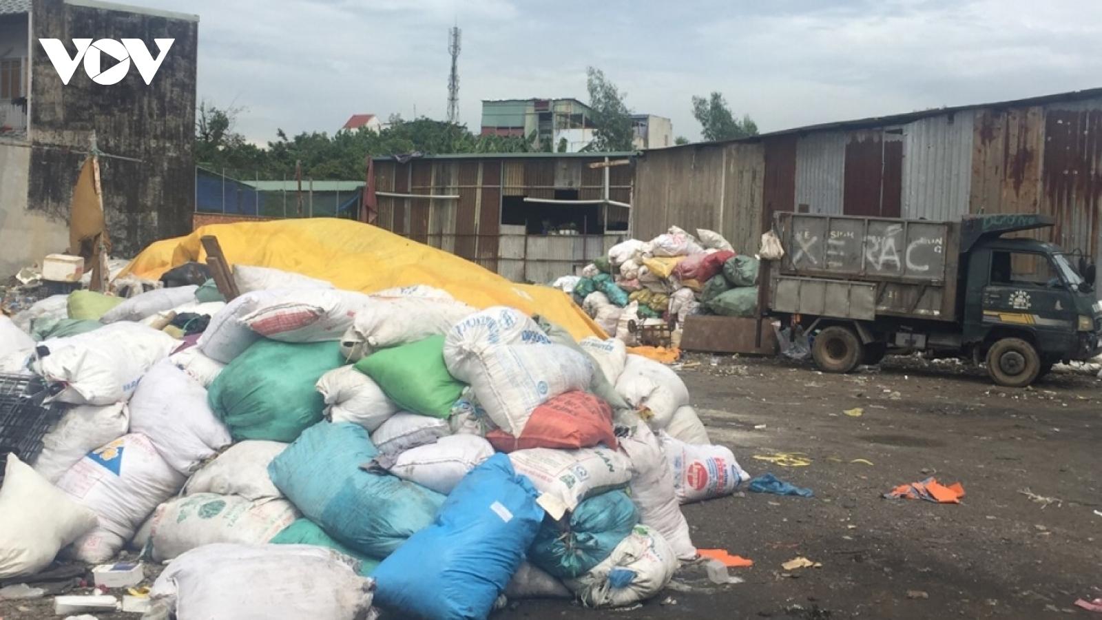 TPHCM tăng phí thu gom rác, người dân bất ngờ, các đơn vị thu gom kêu khó