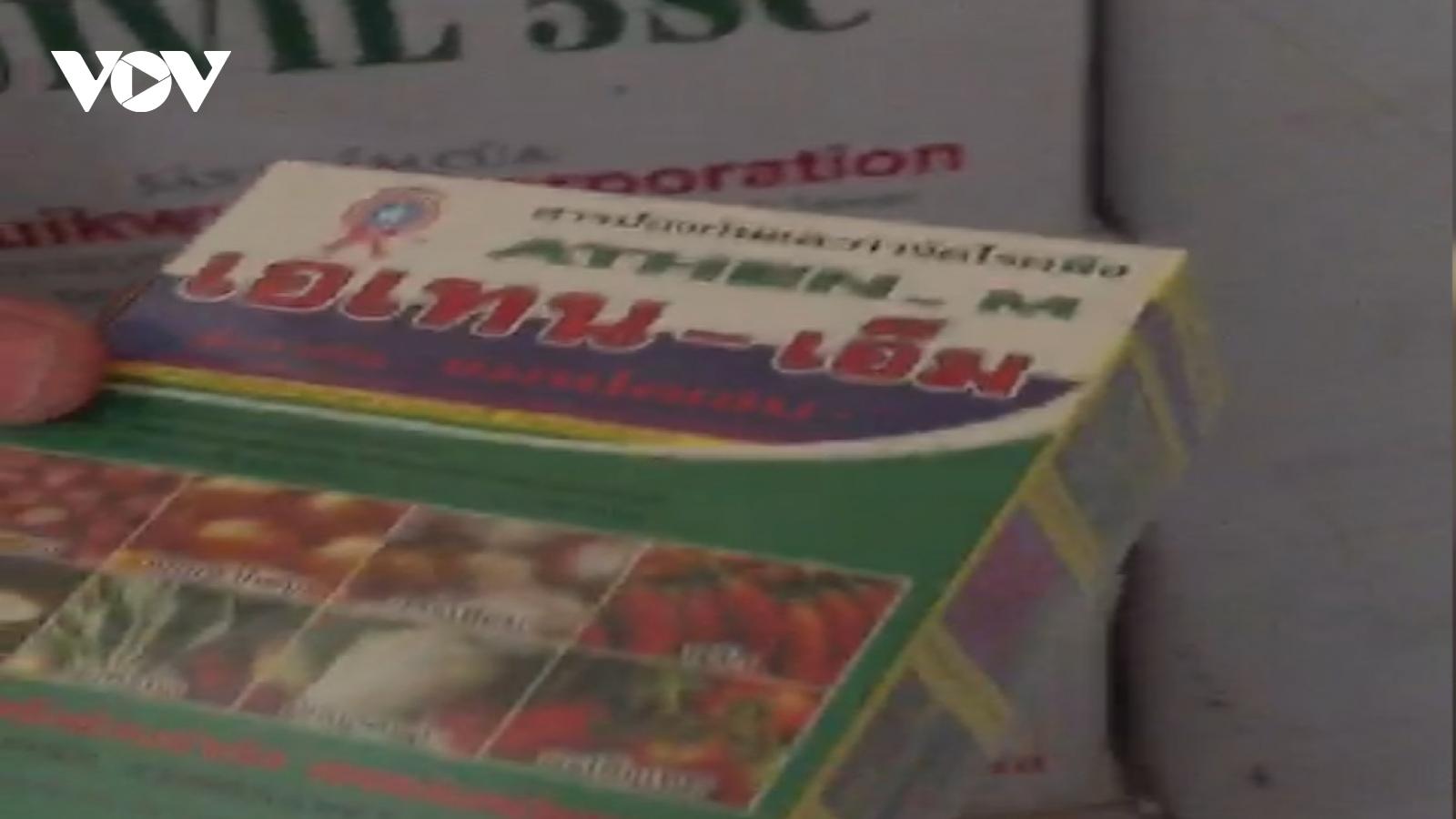 Bắt giữ lượng lớn thuốc bảo vệ thực vật và hàng gia dụng không rõ nguồn gốc ở An Giang