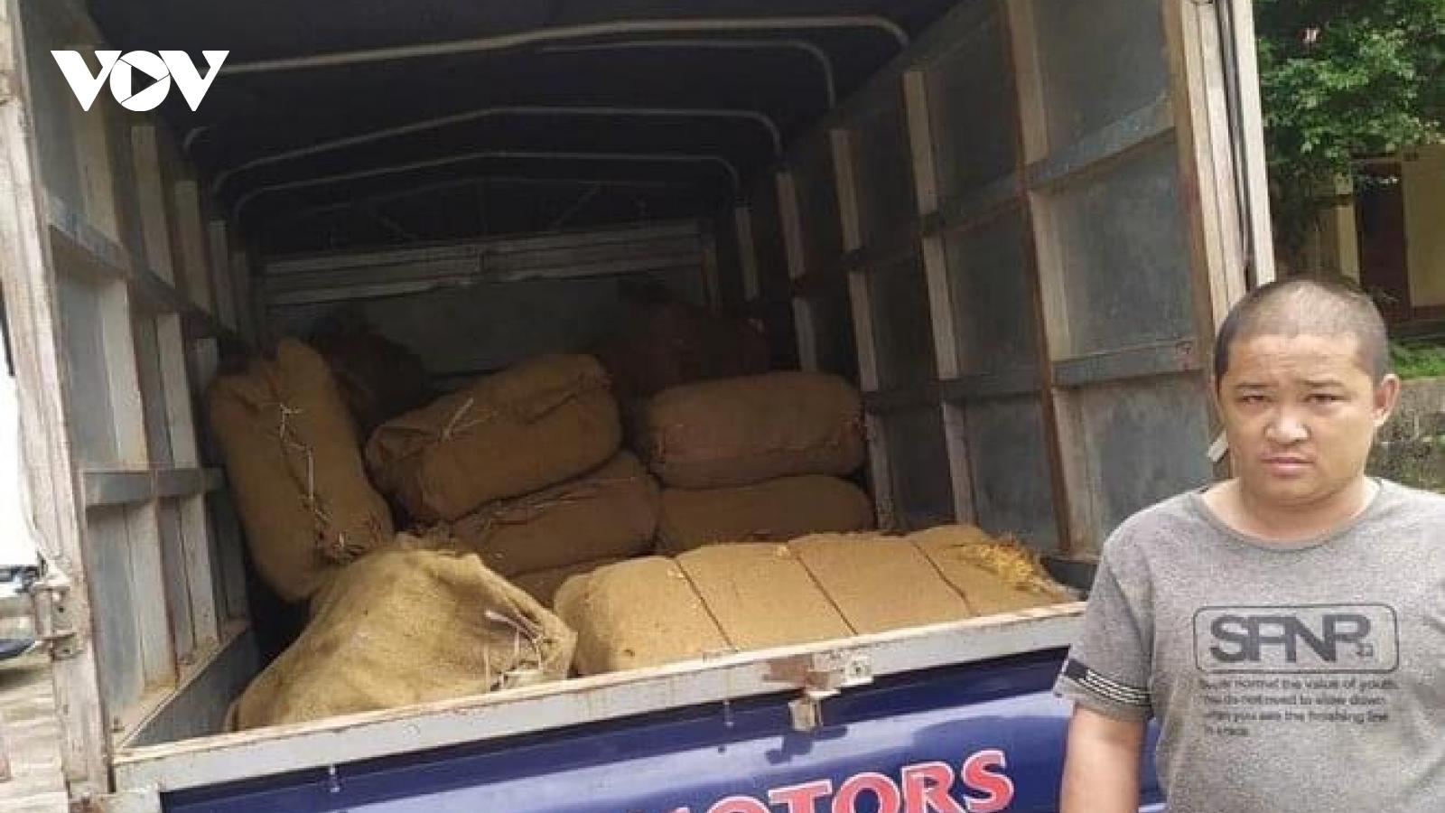 Thu giữ hơn 1,6 tấn nguyên liệu thuốc lá nhập lậu