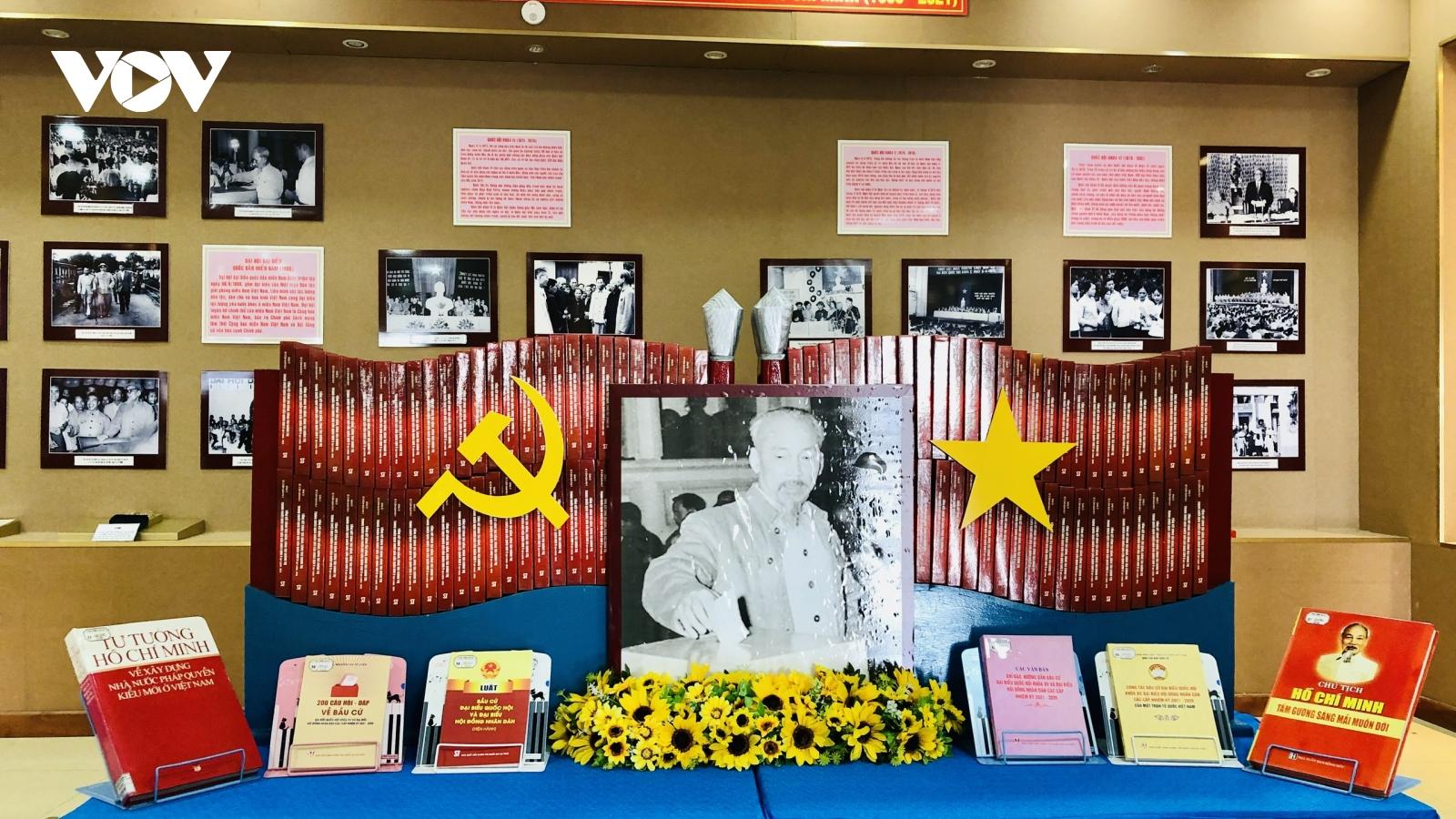 """Triển lãm """"Chủ tịch Hồ Chí Minh với các kỳ bầu cử Quốc hội và Hội đồng nhân dân các cấp"""""""