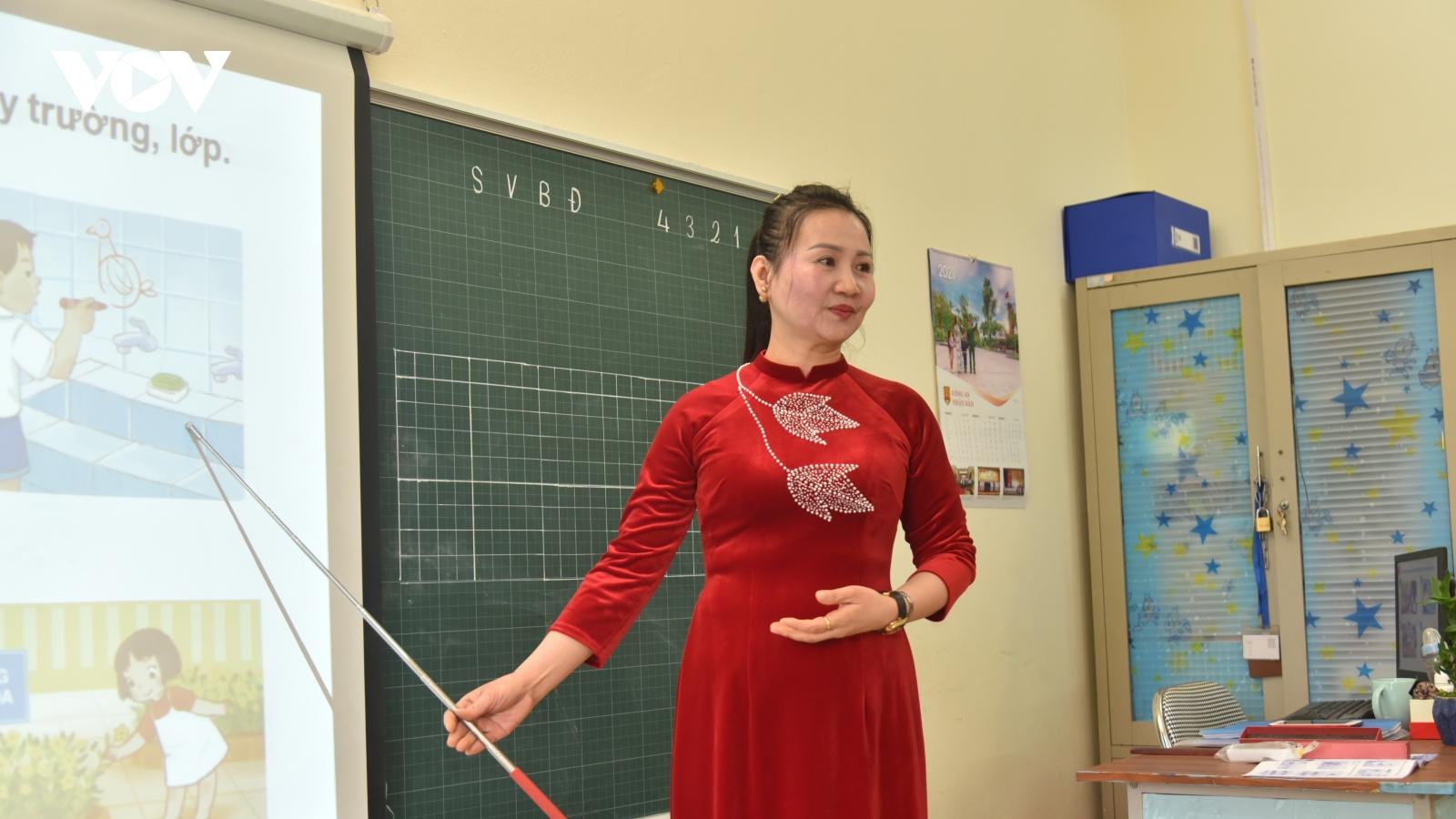 Thiếu giáo viên Ngoại ngữ, Tin học khi thực hiện Chương trình GDPT mới