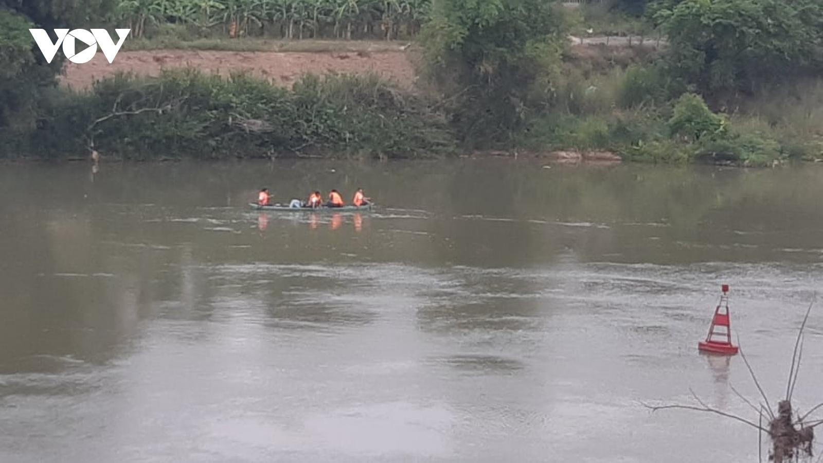 Một học sinh lớp 10 ở Quảng Nam nhảy cầu mất tích