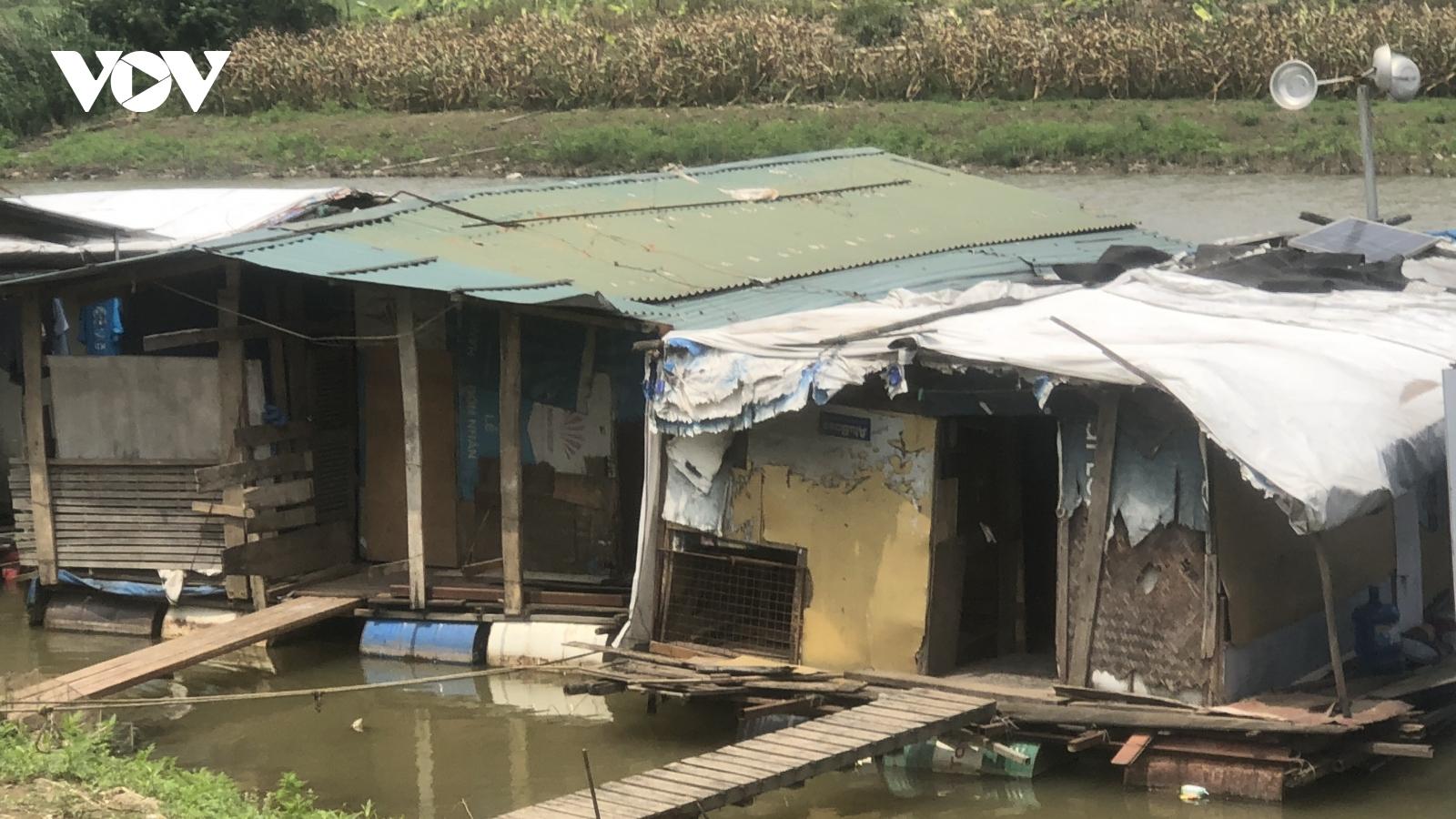 Người dân xóm Phaolênh đênh cuộc sống ngụ cư nơi bãi giữa sông Hồng
