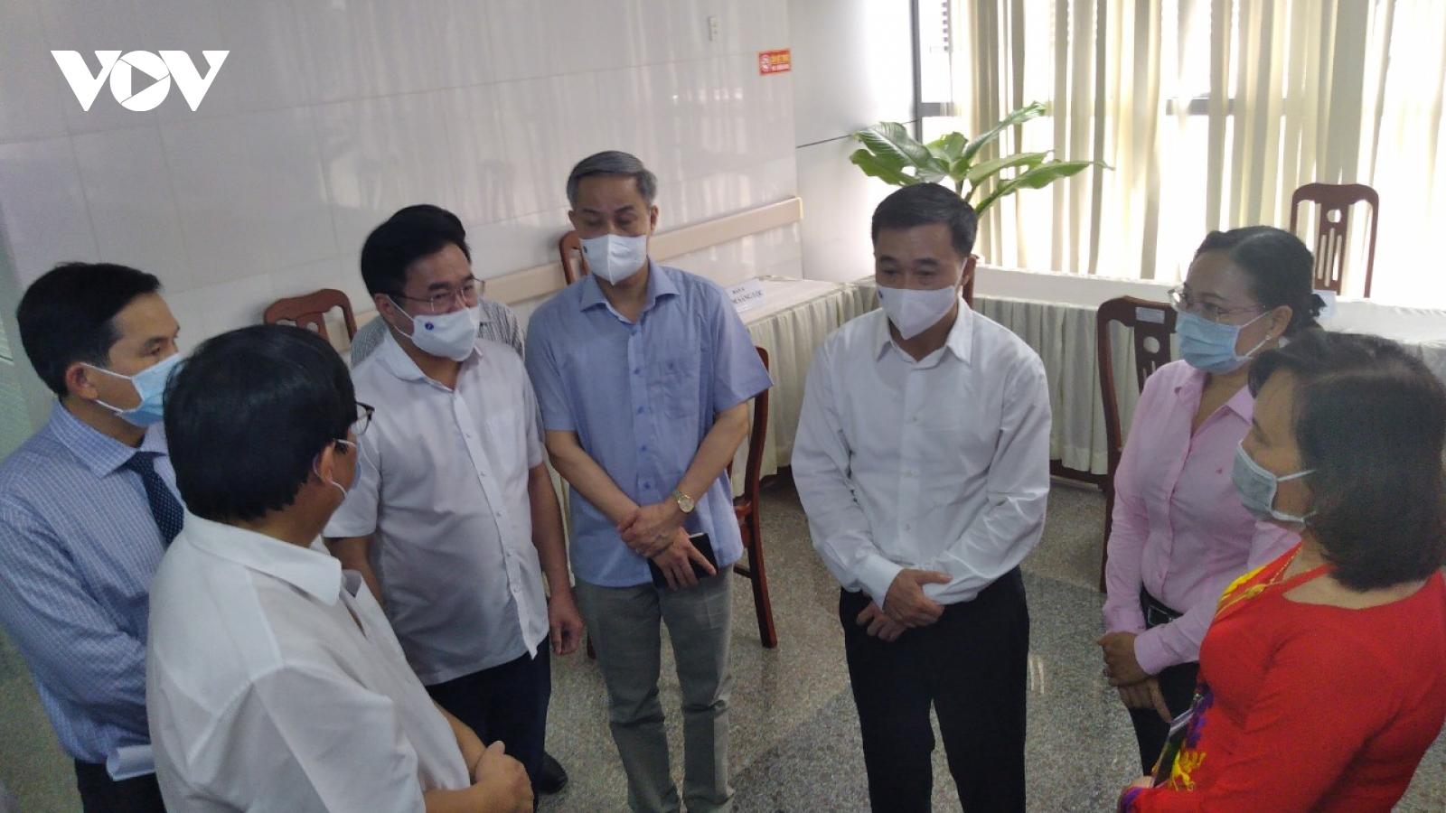 Đoàn công tác Bộ Y tế làm việc với tỉnh Sóc Trăng về phòng chống dịch Covid-19