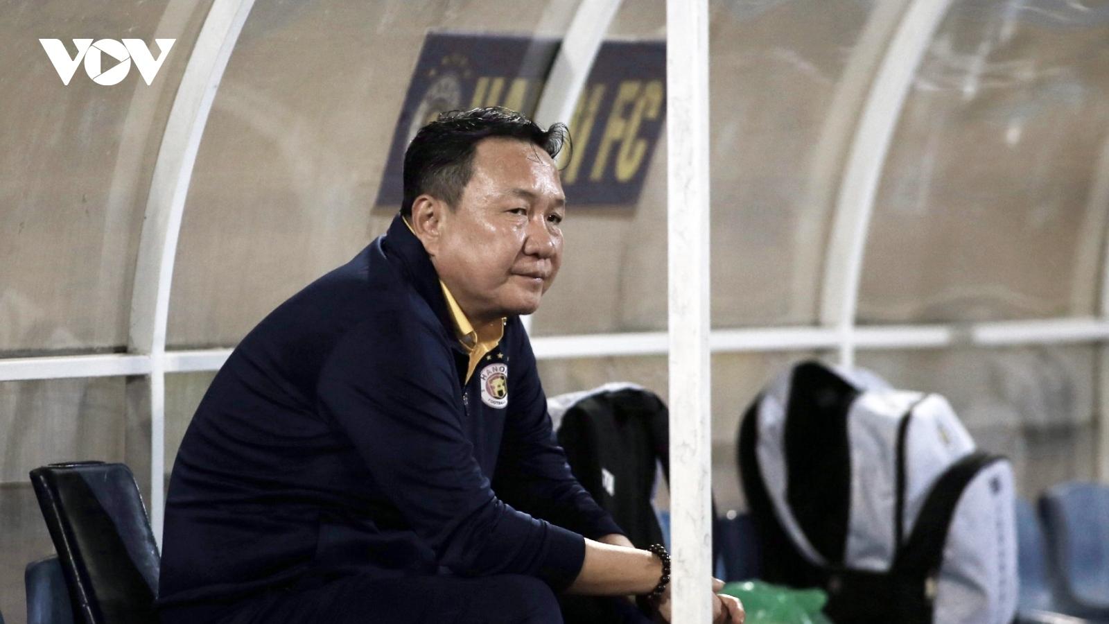 HLV Hoàng Văn Phúc nói điều bất ngờ sau trận thắng Quảng Ninh
