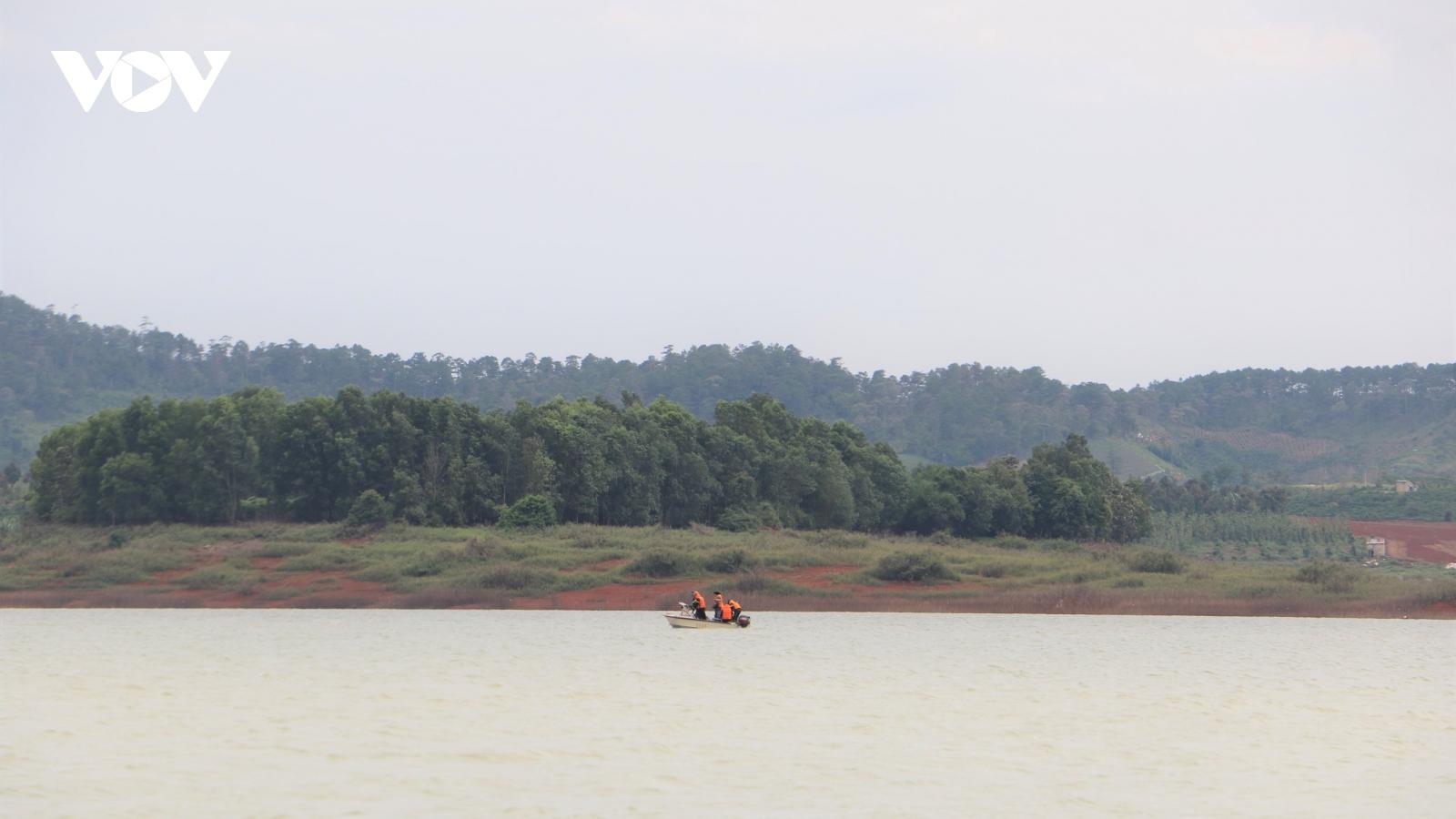 Tìm thấy nạn nhân trong vụ chìm tàu hút cát trên hồ thủy điện Đại Ninh