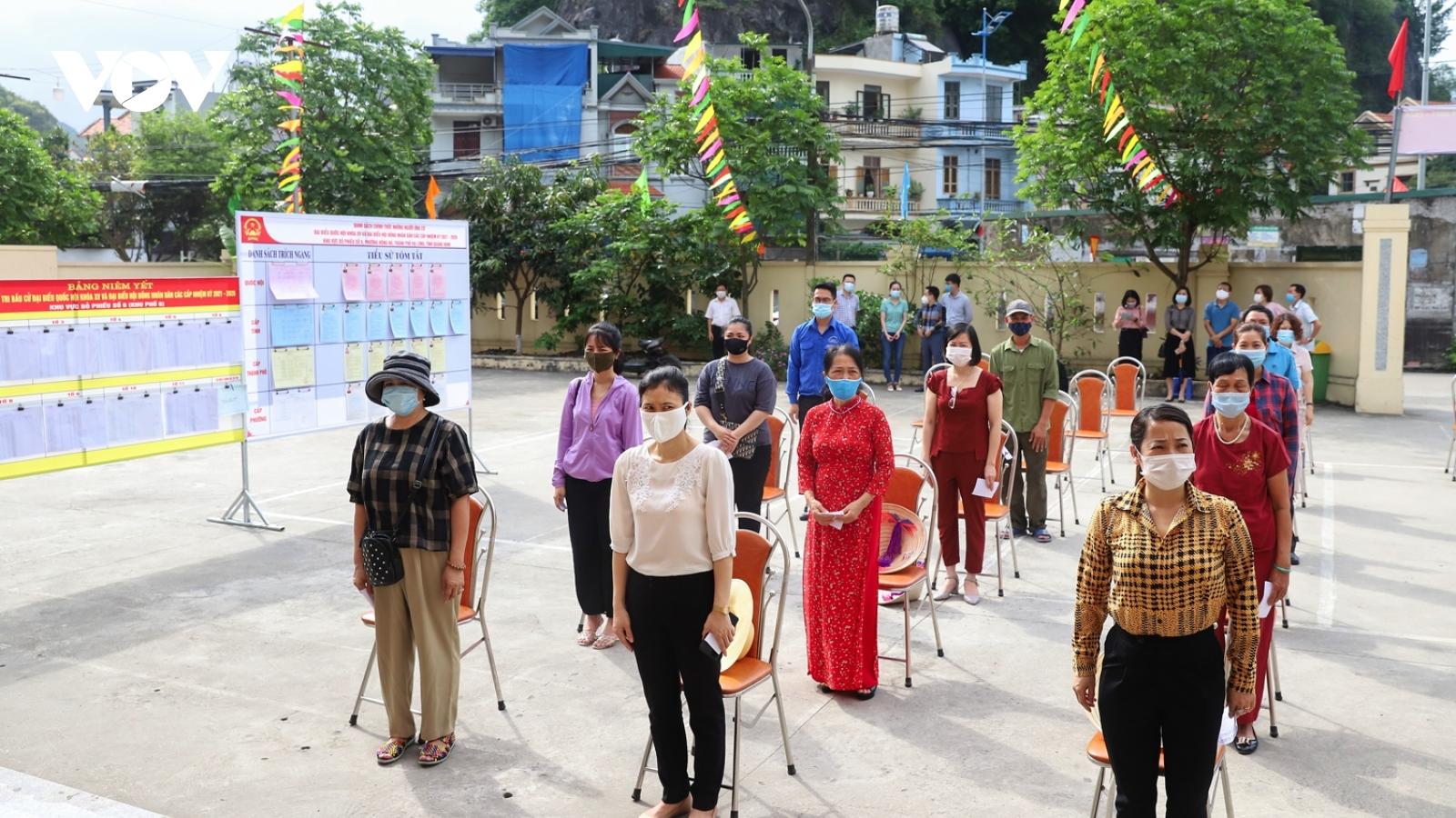 Quảng Ninh diễn tập tổ chức bầu cử trong khu dân cư phong tỏa do Covid-19
