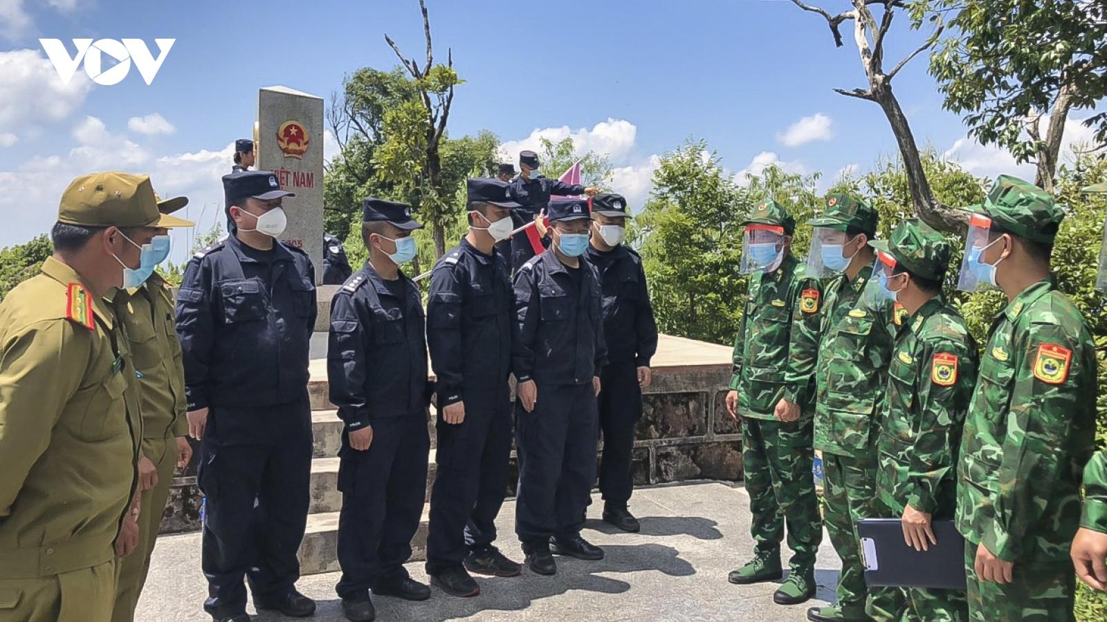 Lực lượng bảo vệ biên giới Việt Nam-Trung Quốc-Lào thực địa tại mốc Ngã ba biên giới