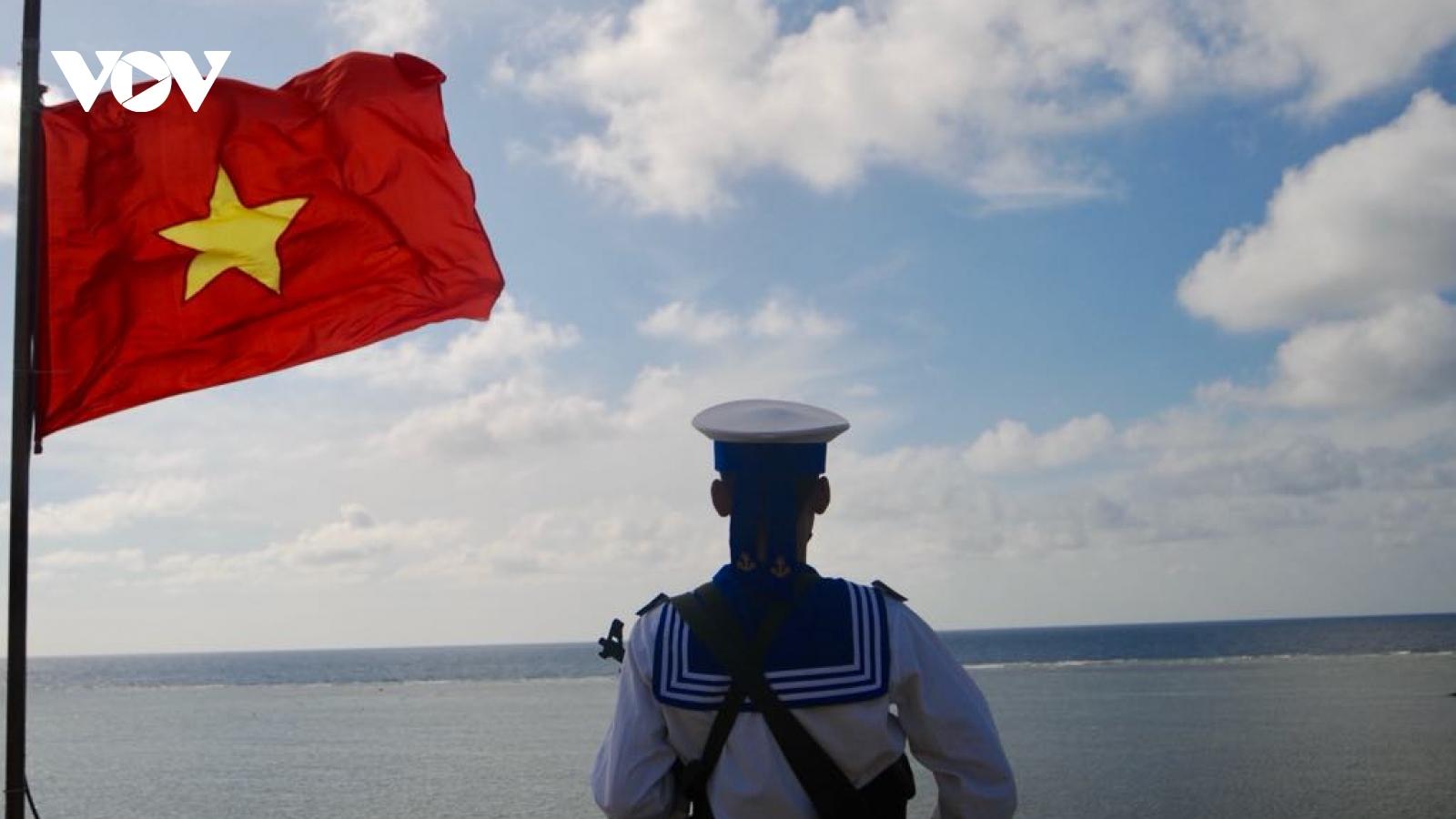 """Ký sự """"Đất nước nhìn từ biển"""" - cái nhìn toàn diện về Biển Đông"""