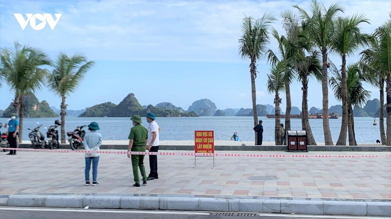 Quảng Ninh hạn chế tập trung đông người tại các bãi tắm