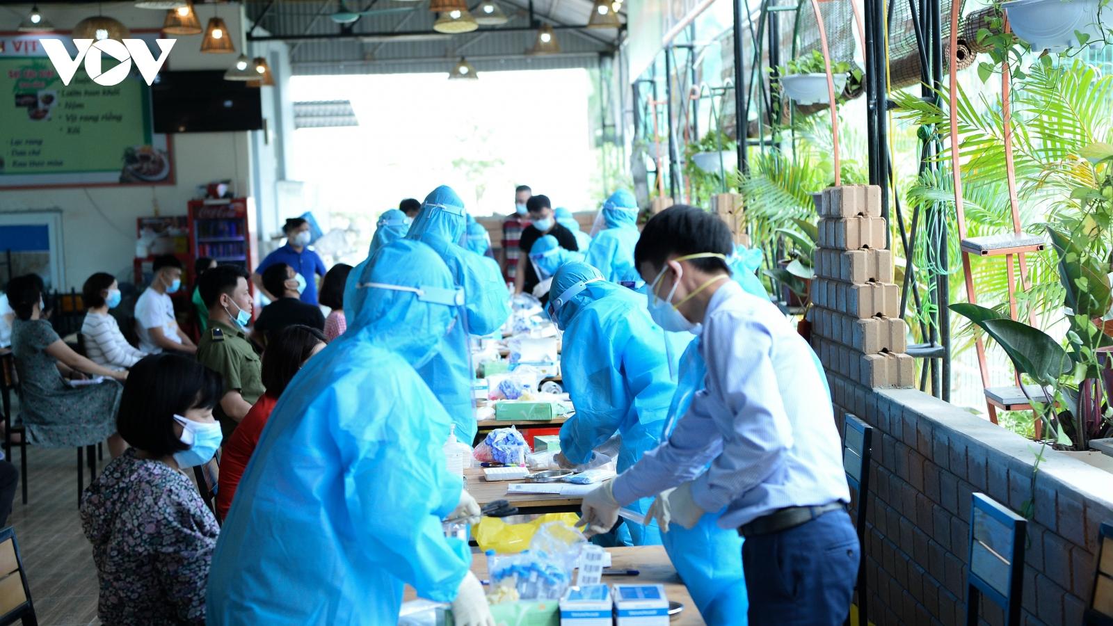 Vĩnh Phúc hỏa tốc triển khai xét nghiệm Covid-19 cho 100% công nhân tại khu công nghiệp