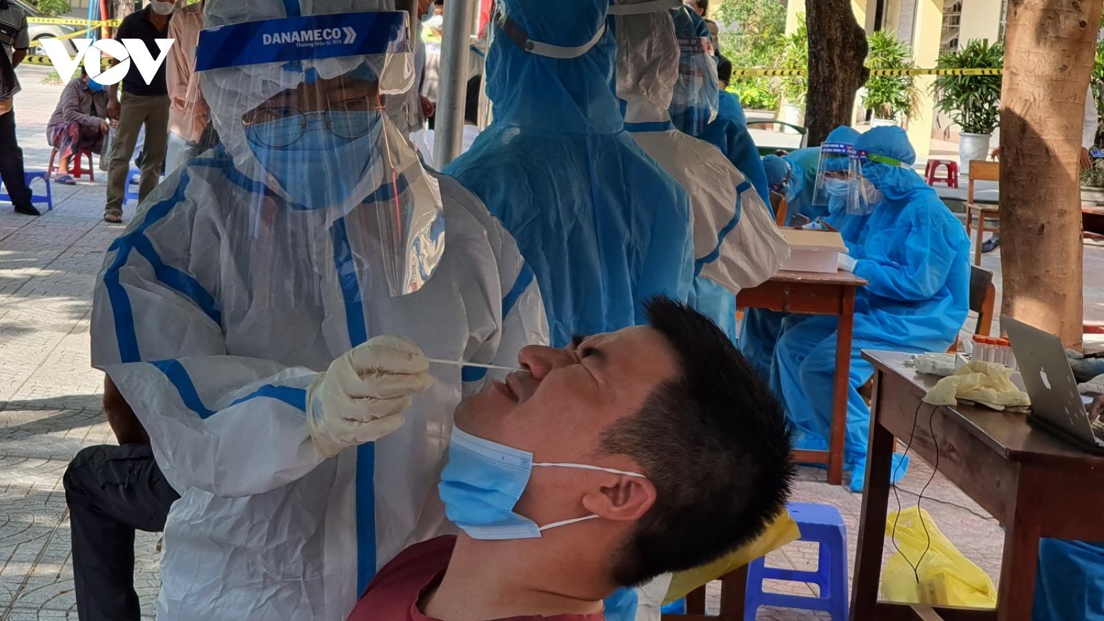 Đà Nẵng lấy mẫu xét nghiệm cho các hộ dân toàn thành phố