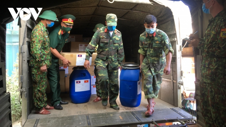 Vietnam lends a helping hand to Laos' COVID-19 fight