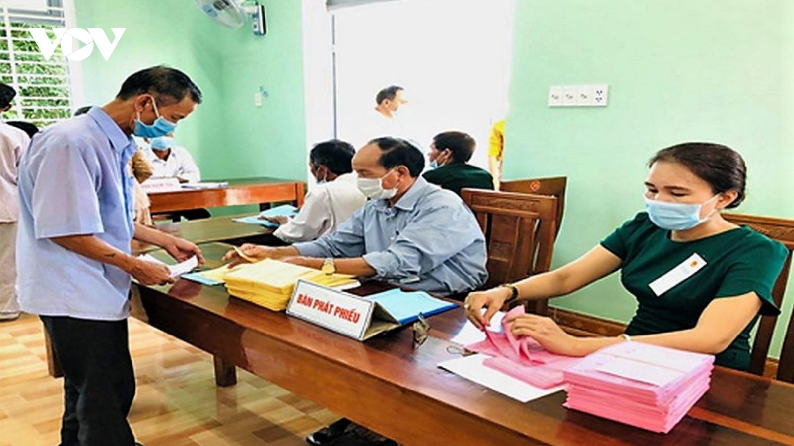 Một huyện ở Quảng Ngãi bầu cử thêm đại biểu HĐND cấp huyện