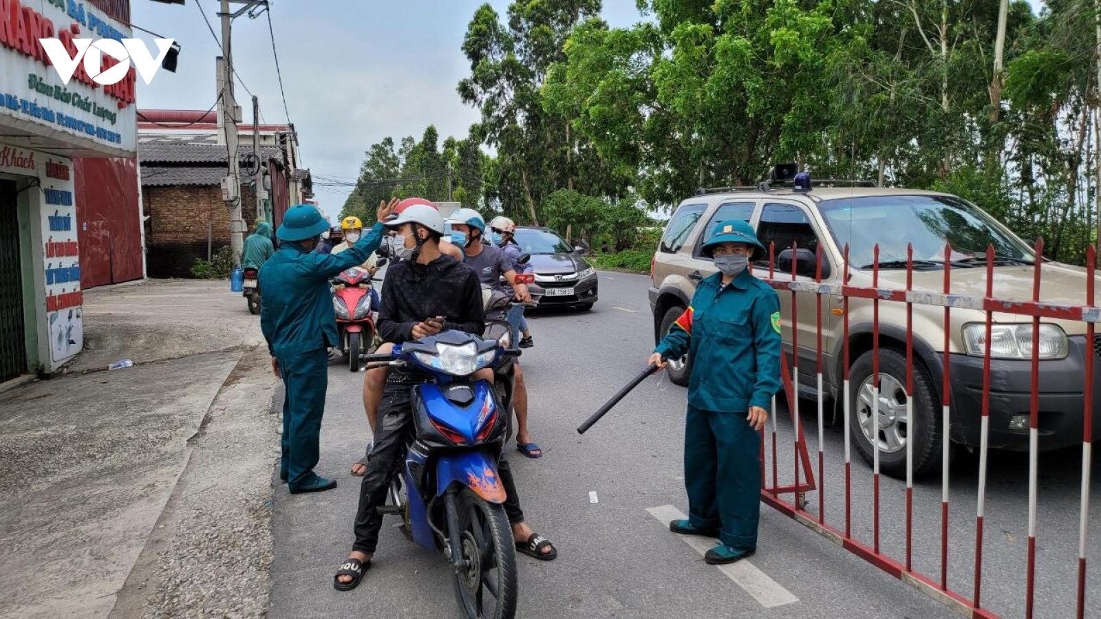 Lái xe chở hàng muốn vào TP Bắc Ninh phải có giấy xét nghiệm COVID-19