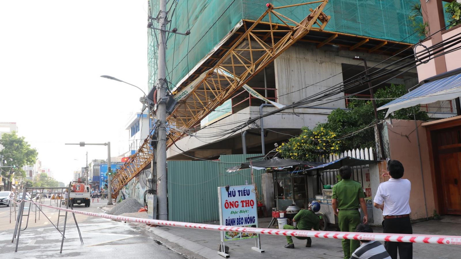 Rơi thanh cẩu tại công trường thi công tòa nhà hỗn hợp The Light Phú Yên