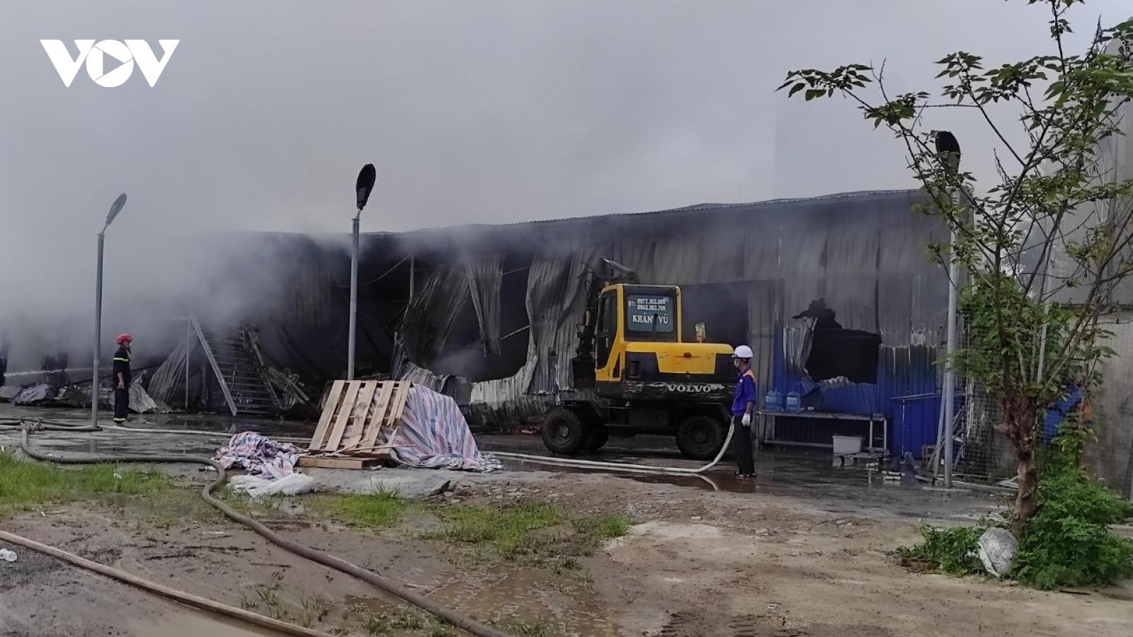Cháy lớn thiêu rụi xưởng lắp ráp bóng đèn tại Hải Phòng