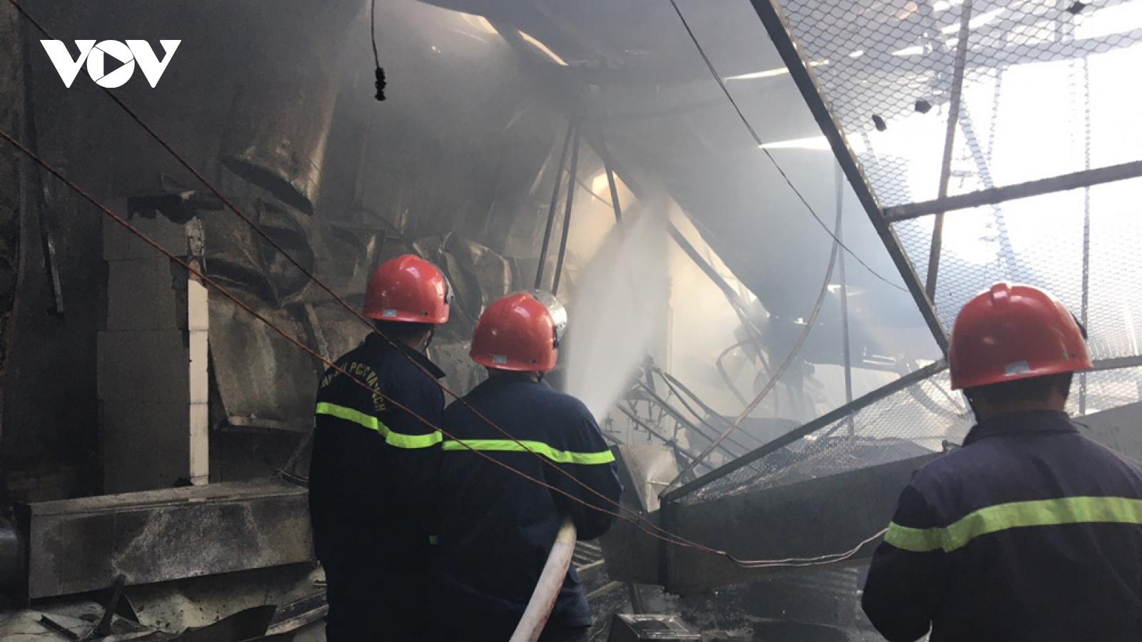 Khống chế kịp thời vụ cháy tại công ty sản xuất đồ gỗ ở Bình Dương