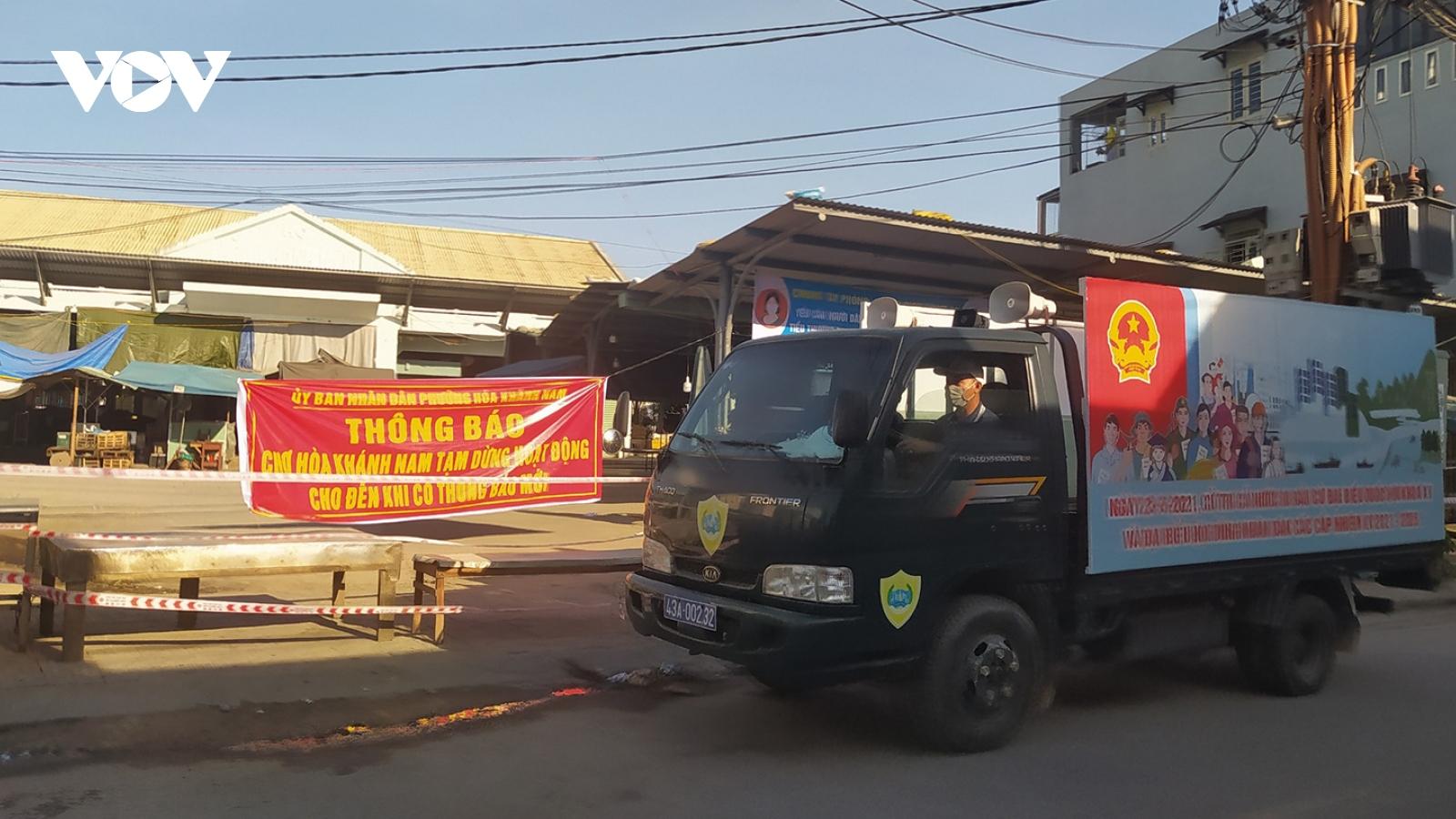 Đà Nẵngtạm dừng hoạt động, phun khử khuẩn chợ Hòa Khánh Nam