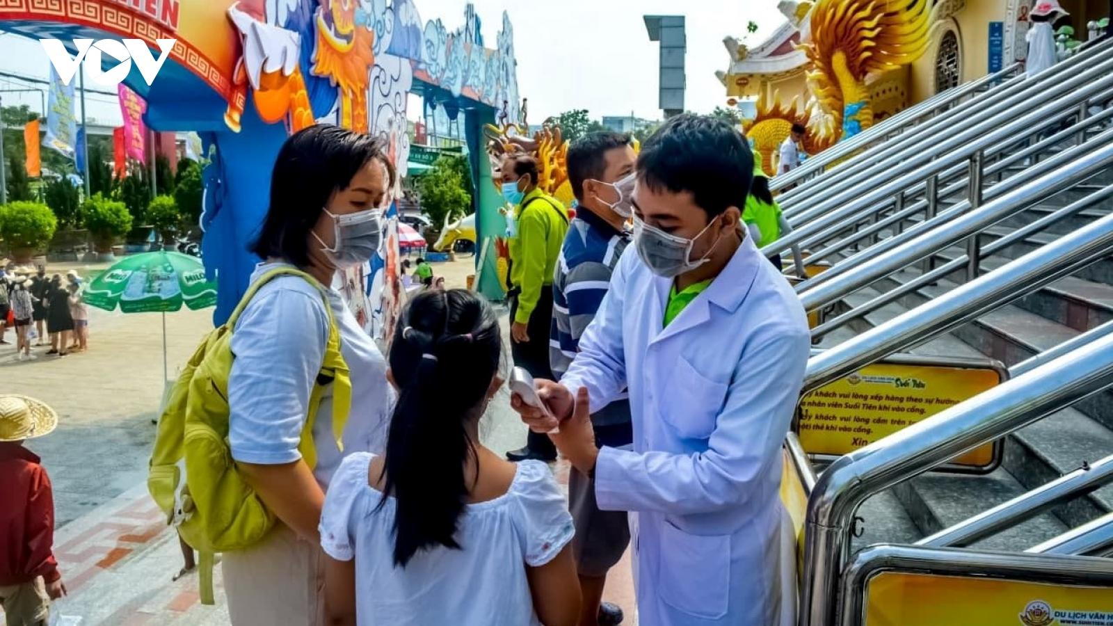 Sở Du lịch TP HCM yêu cầu cách ly ngay du khách bị sốt trên 37,5 độ C