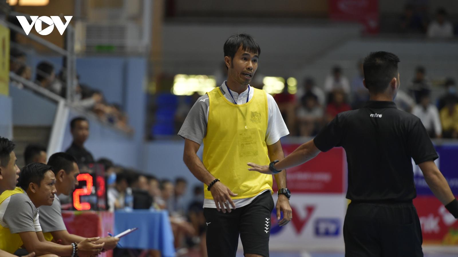 """HLV Phạm Minh Giang: """"Cảm ơn vợ đã giúp tôi tạo nên kỳ tích cùng ĐT Futsal Việt Nam"""""""