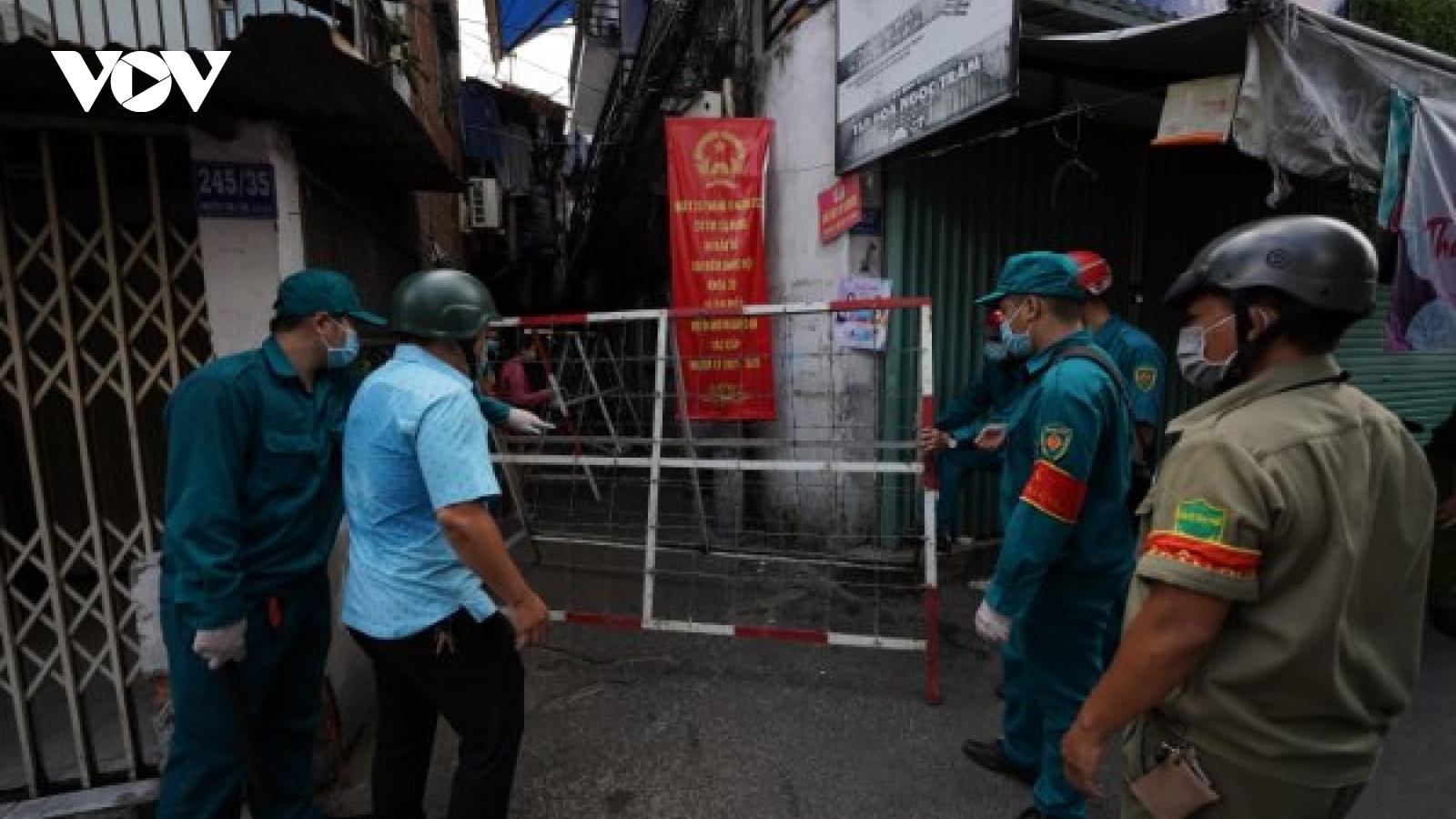 TPHCMphong tỏa một hẻm của khu Mả Lạng do có ca nghi nhiễm Covid-19