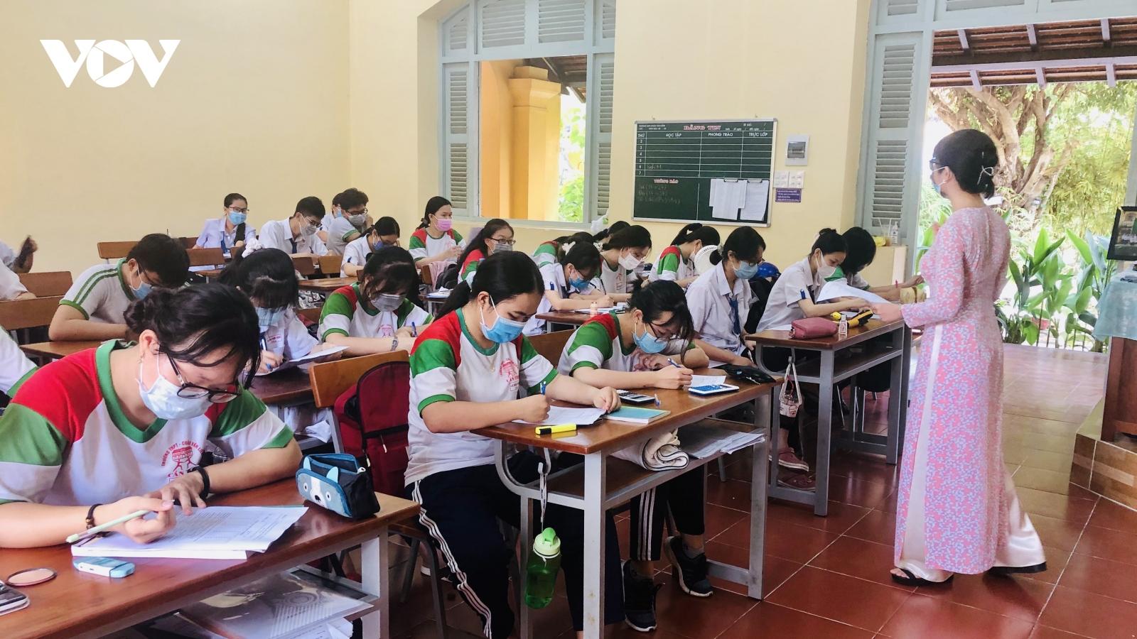 Cần Thơ trẻ học mầm non tiếp tục nghỉ, riêng lớp 9 và lớp 12 đến trường
